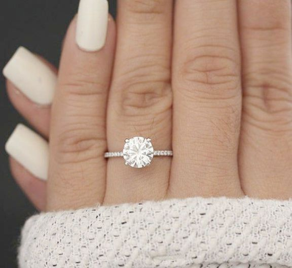 Round Halo Engagement Ring 3 Carat Little Jewellery Stores Johannesburg Classic Engagement Rings Diamond Wedding Bands Vintage Engagement Rings