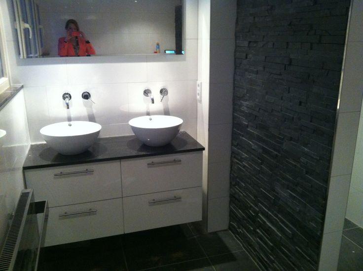 17 beste idee n over witte tegels in de badkamers op for Aanrechtblad karwei