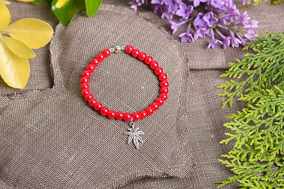 Check out this item in my Etsy shop https://www.etsy.com/listing/512201958/6mm-red-pearl-beads-leaf-bracelet