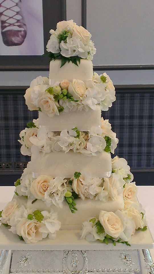 Cakes By Design, The Vintage Wedding Show, Norwood Hall Hotel, Aberdeen, Sunday 21st February, 11am to 4pm