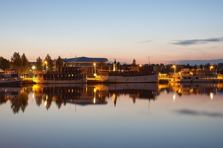 Kuopio harbor during midsummer night.