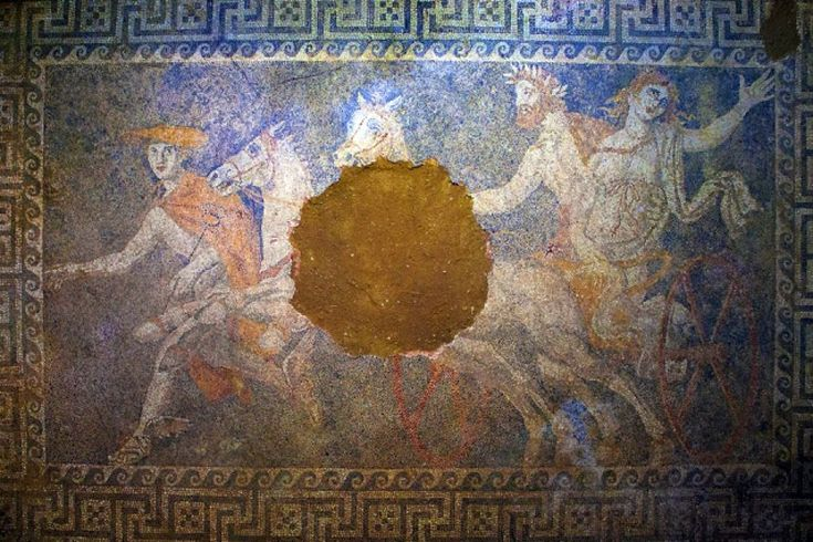 """Foreign media """"stunned"""" by Amphipolis mosaic"""