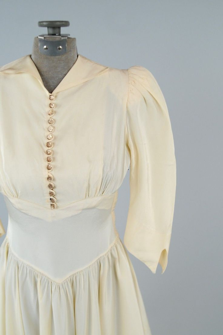 For sale 1940s wedding dress measurements please note for Wedding dress large bust small waist