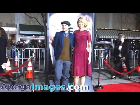 Jenna Elfman and husband Bodhi Elfman arrives at the Premiere of Identity Thief