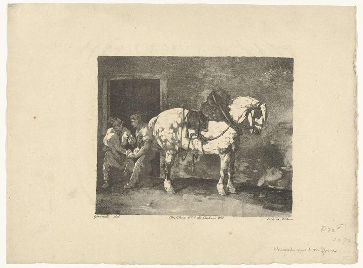 Théodore Géricault | Een paard wordt beslagen, Théodore Géricault, François le Villain, Gihaut frères, 1823 | Een paard (schimmel) met het tuig nog om, wordt door twee mannen beslagen. Een houdt het linker achterbeen van het paard vast, de ander slaat de nagels in de hoef.