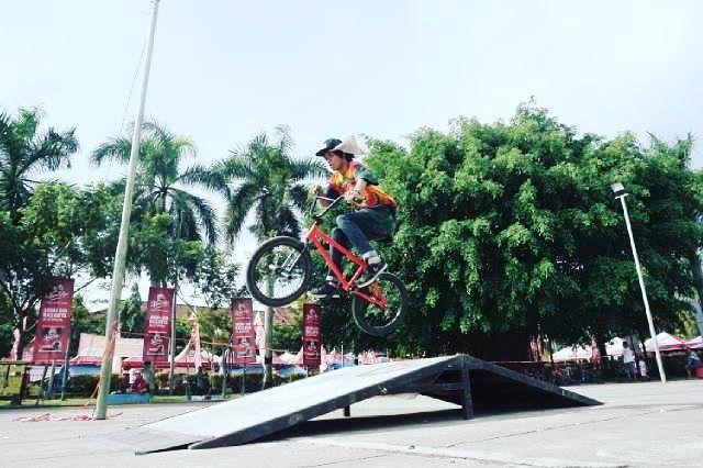 kabartrenggalek - Dengan gaya terbang  #kabartrenggalek #riderbmx #pro by cristiangesang