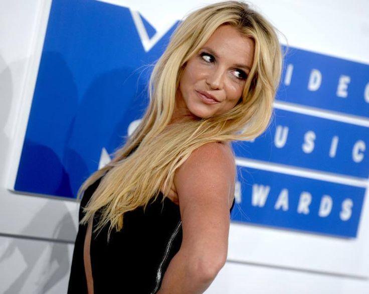Britney Spearshat ein Auge auf Jungspund Justin Bieber geworfen.