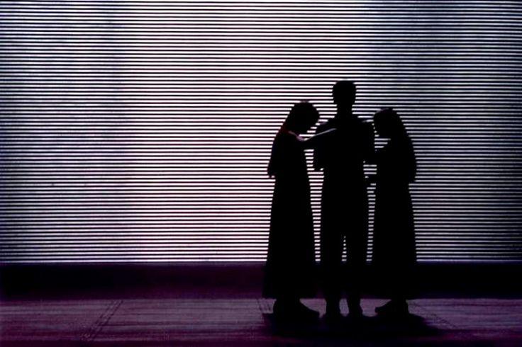 La Mort de Tintagiles de Maurice Maeterlinck, mise en scène de Claude Régy, décor de Daniel Jeanneteau, lumières de Dominique Bruguière
