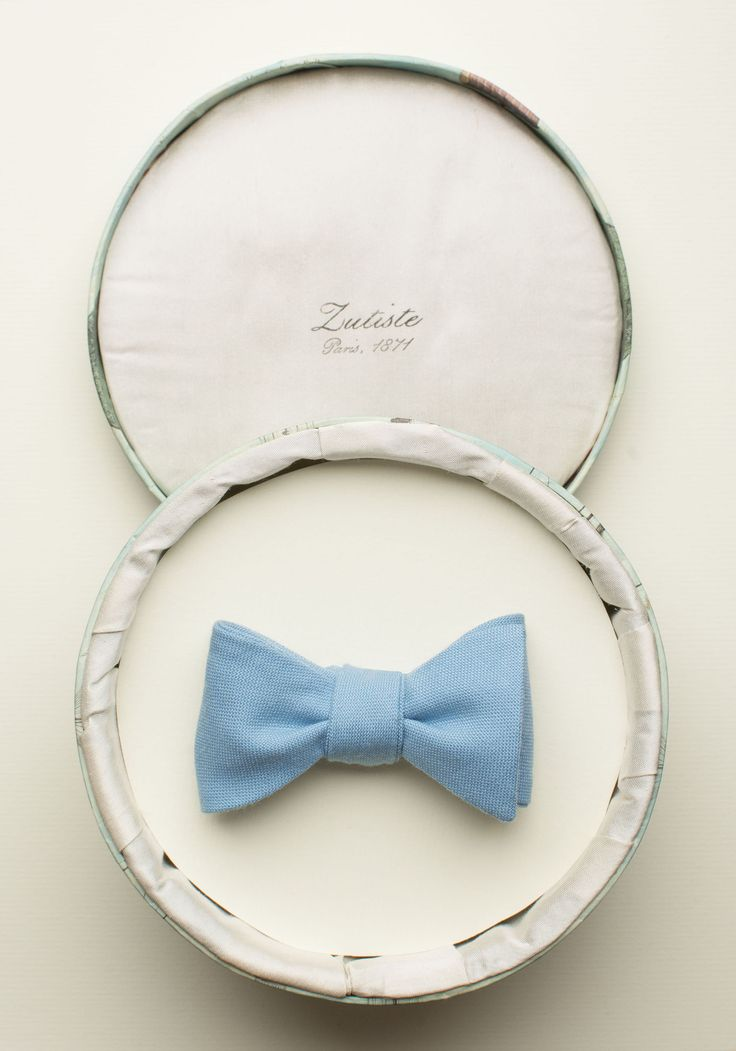 Zutiste 'Lys' nœud papillon (French for 'bow tie'), made in Paris from pure English wool.
