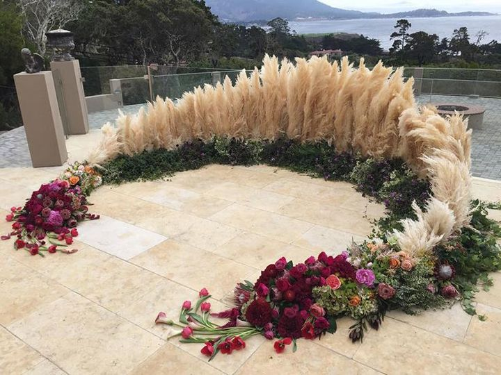Attractive Ceremony Circle Of Flowers