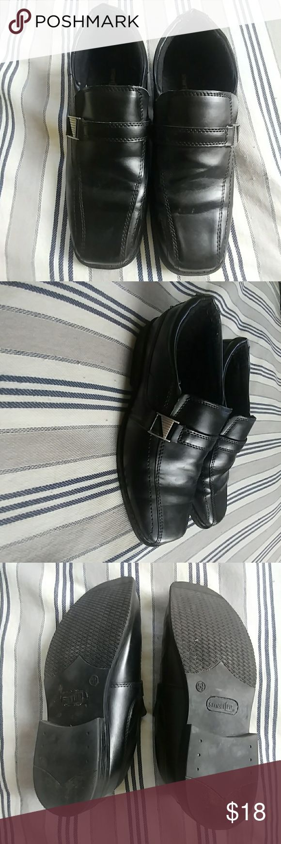 Smart Fit Boys Dress Shoes Your boy will look smart wearing these shoes with jeans or dress pants. They are black and worn only 3 times and are in great condition. Shoes Dress Shoes