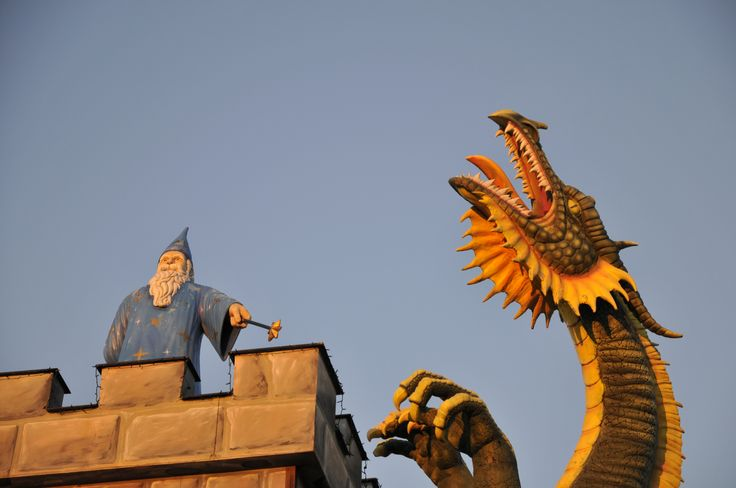 Merlin and a dragon at the Czech/Austrian border