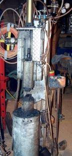 Pneumatic Hammer Homemade pneumatic hammer based on the Kinyon design.