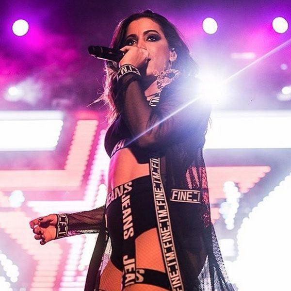 Show de Anitta durante o ELLE Fashion Preview.