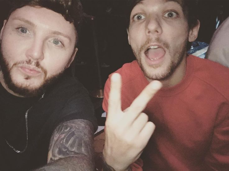 "James Arthur (@jamesarthurinsta23) on Instagram: ""Killin the game #1oak #la"" ⚽️ • Louis with James Arthur at 1 Oak in West Hollywood tonight!  2 July 17 •"