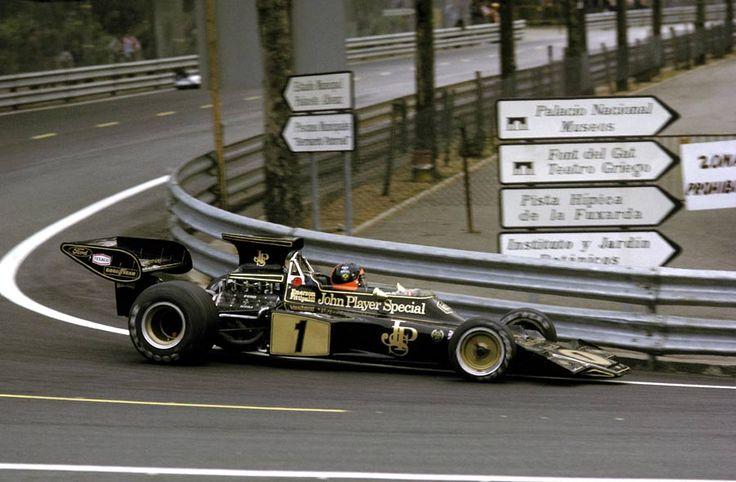 #1 Emerson Fittipaldi (Bra) - JPS Lotus 72E (Ford Cosworth V8) 1 (7) John Player Team Lotus