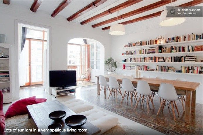 """Ferienwohnung Dreta de l'Eixample. 2786. Carrer de la diputacio. Urgell. 3 bedrooms, 2 bathrooms. Covered balcony. """"Front bedrooms sometimes a little noisy due to proximity to the street but nothing that prohibited sleep.""""""""there is a fair amount of traffic at times"""". Easily accessible from the Airport (Aerobus). Reconstruction works on the neighbouring building (streetview april 2014)?"""