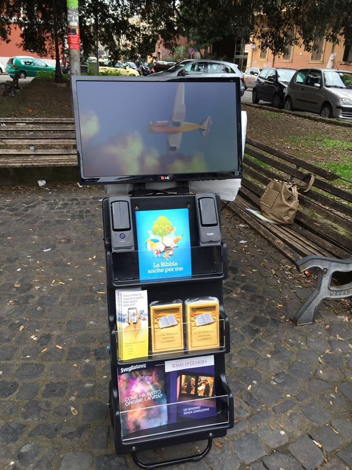 Interesting, notice the display cart is fitted with a monitor so that various videos can be seen.