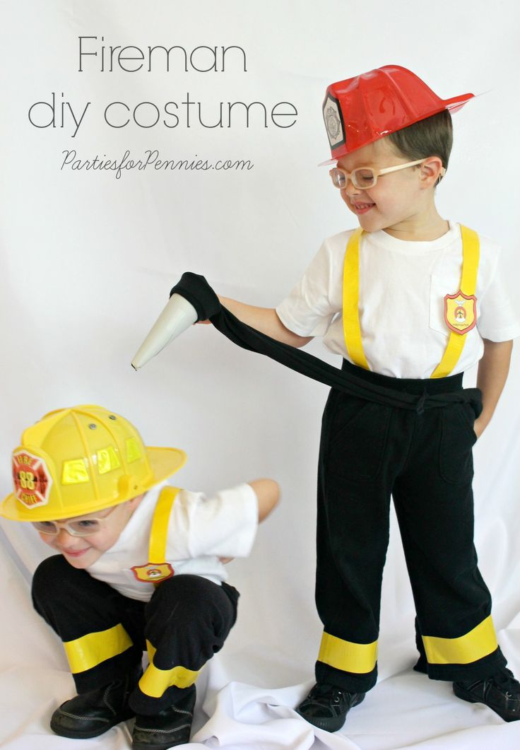 A roundup of DIY Halloween costumes for kids, family, as well as accessories! MUST see!! { lilluna.com }