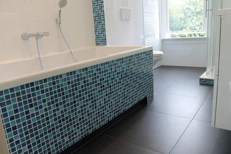 Badkamer met glasmoza ek betegeling badkamers pinterest met and showroom - Badkamer blauw ...