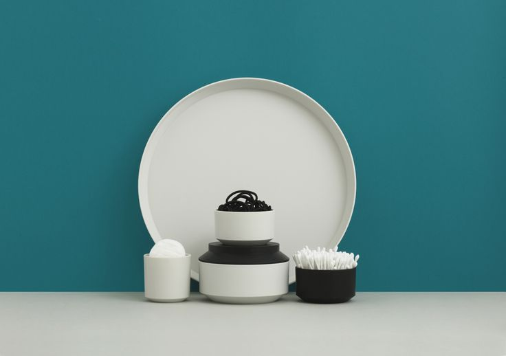 Danish design-house, Normann Copenhagen have expanded the award winning Geo range with six new products by Danish designer, Nicholai Wiig Hansen, which is characterised by its minimalistic style and sharp, masculine edges. The Geo Vacuum Jug is now being joined by a tray, milk jug, sugar bowl and lidded jars in three different sizes.