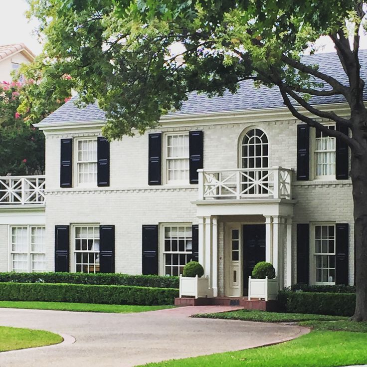 17 Best Ideas About Colonial Exterior On Pinterest