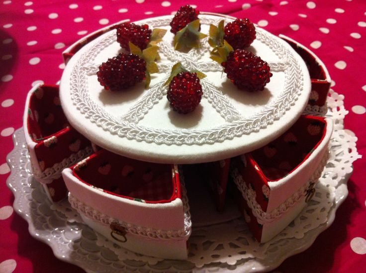 whole cake box cartonnage