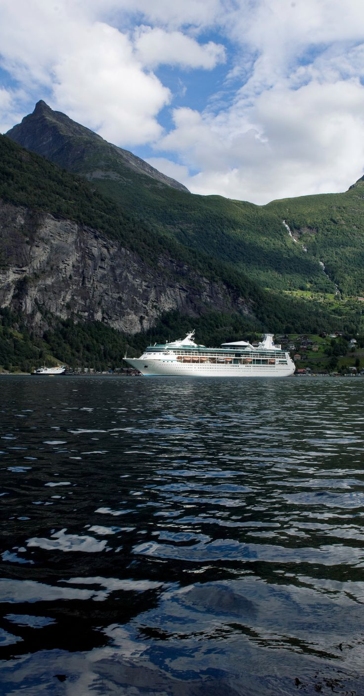 Vision of the Seas explores Norway.