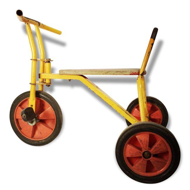 1000 id es sur le th me tricycle rouge sur pinterest. Black Bedroom Furniture Sets. Home Design Ideas