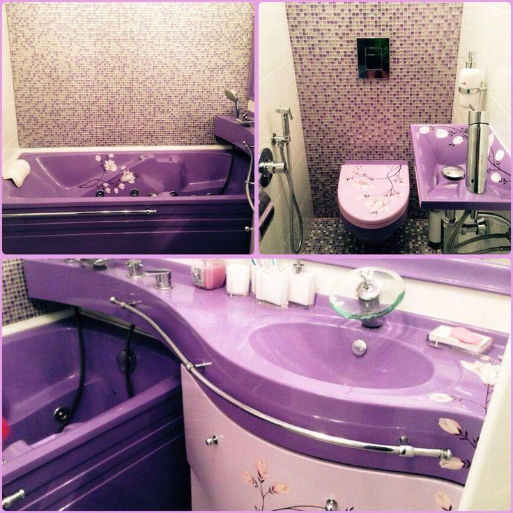 #Интерьер ванной комнаты с раковиной #Фокус. Комплект популярен благодаря необычной установке #раковины – столешницы над ванной.