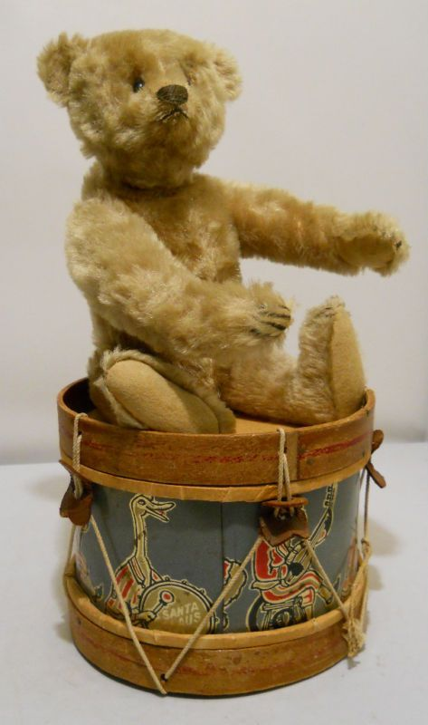Old Steiff with drums....I love this image !