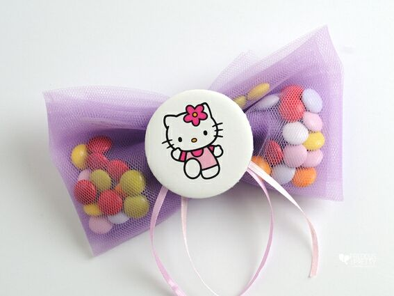 Cute Hello Kitty Christening favors or baby shower gift for your baby girl! #christening #baptism #favors #hellokitty #babyshower #babygirl #gift #preciousandpretty