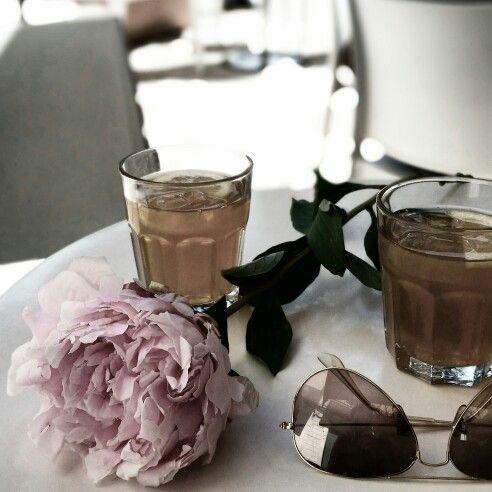 Paeonia, tea and sunglasses