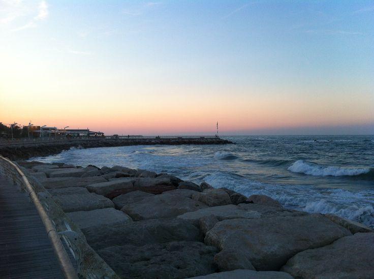 Obiettivo Pesaro: il mare argentato...http://vivere.biz/an4H