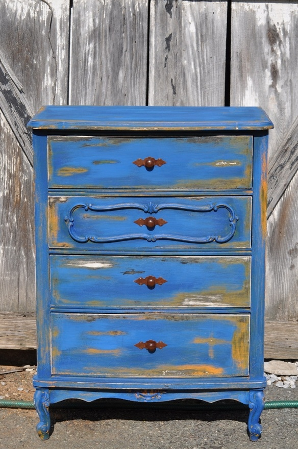 25 Best Ideas About Blue Distressed Furniture On Pinterest Furniture Inspiration Blue