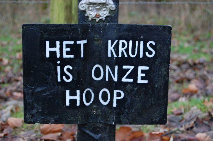 'The cross is our hope'  www.machteldsiegmann.nl