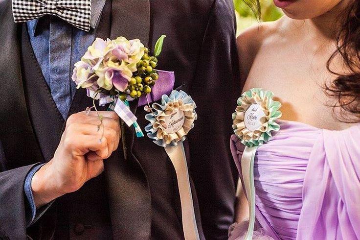 「お色直しはパープルのドレス◟̊◞̊ ♡ 旦那さんもシャツとボウタイをチェンジ◟̆◞̆୨୧˖  #cam_k2wedding #ロゼット #ナチュラルウエディング#ウエディングドレス#カラードレス」