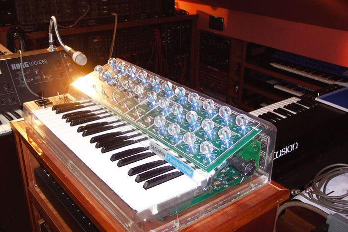 Gleeman Pentaphonic Transparent Synthesizer