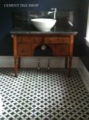 Circulos Black-powder Room floor