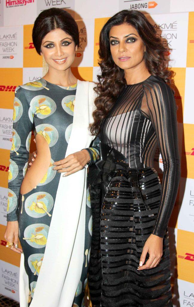 Shilpa Shetty and Sushmita Sen pose backstage at the Lakme Fashion Week