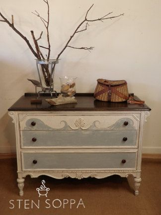 White and Grey Distressed   Vintage 3 Drawer Dresser. 17 Best ideas about Grey Distressed Furniture on Pinterest   Gray