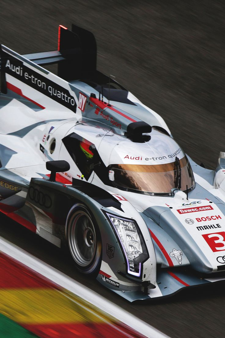 Le Mans LMP1 Audi R18 e-tron Quattro, drives fast to win the race in ultimate style