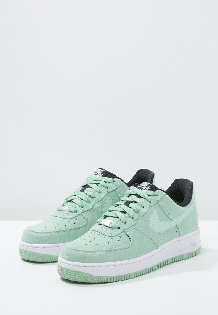 Dames Nike Sportswear AIR FORCE 1 '07 SEASONAL enamel green