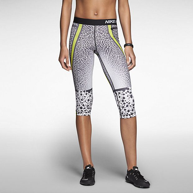The Nike Pro Core Safari Women's Capris are made with sweat-wicking stretch  fabric and an allover animal print for high-performance comfort and bold  style.