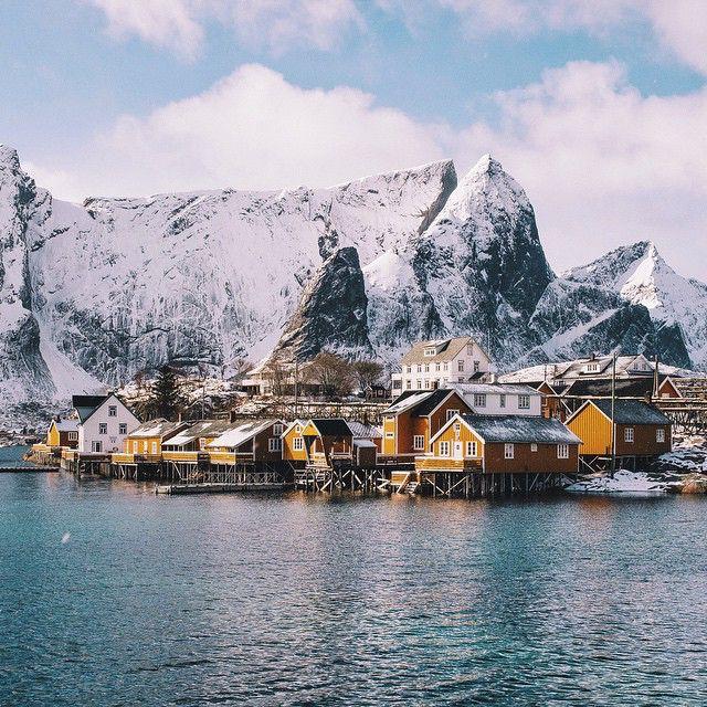 Sakrisøy in Norway / photo by Dan Lum
