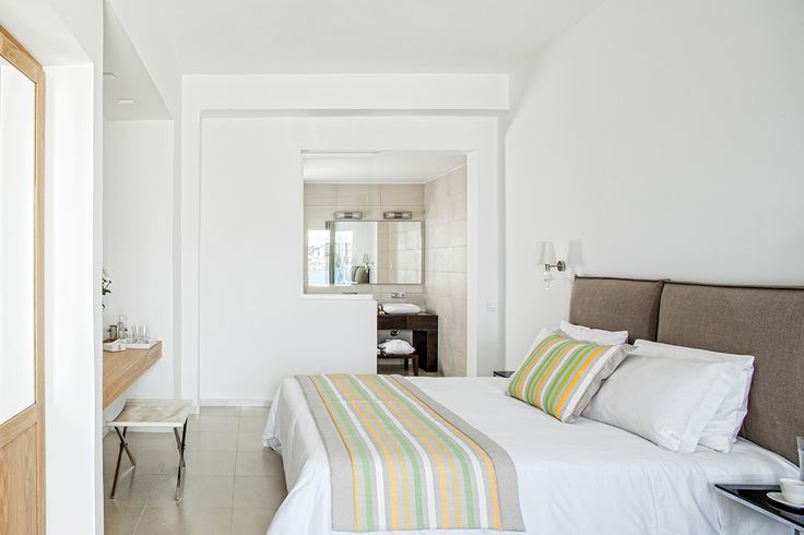 Looking for a cosy suite with all modern amenities and amazing sea views? Check the Classic Suite of De.light Boutique Hotel at https://goo.gl/DYOtHZ and get ready for an accommodation experience made for loving couples!   #Greece #suites #mykonos #mykonosisland #greekislands #summer2017 #visitgreece #delighthotel