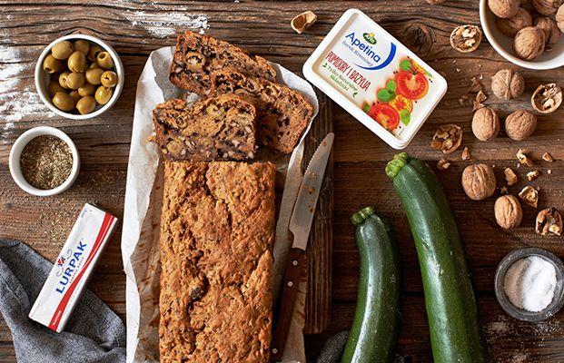 Chlebek z Cukinii z Apetiną Pomidory i Bazylia