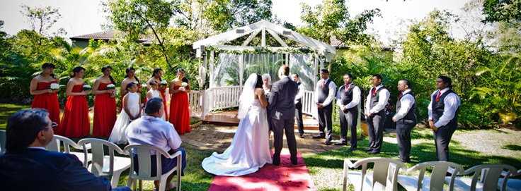 Mt Ommaney Hotel Apartments offers the perfect Setting for not only your Wedding Reception, but also the Ceremony. With Luscious manicured gardens in which to hold your Wedding Ceremony, followed by your reception in either of our two beautifully decorated rooms.  http://www.mtommaneyhotel.com.au/