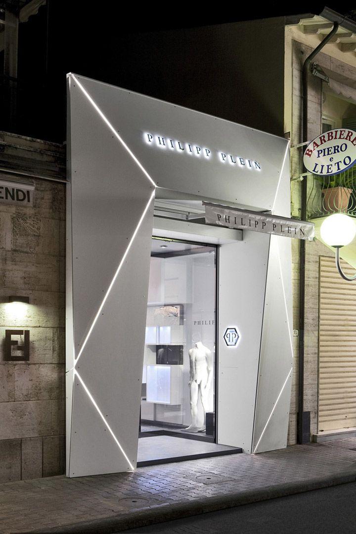 Borja: fachada tienda Philipp Plein en Italia