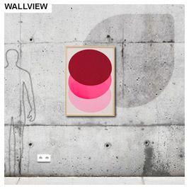 Het kunstenaarsduo Stefan Guzy en Bjorn Wiede experimenteren met de mogelijkheden van zeefdruk technologie. Zij zien dit experiment als het fundament van creatief ontwerpen. Zo is dit werk gedrukt met lipstick en nagellak.  Kader omlijsting is gemaakt uit Dennenhout - 1.300 EUR